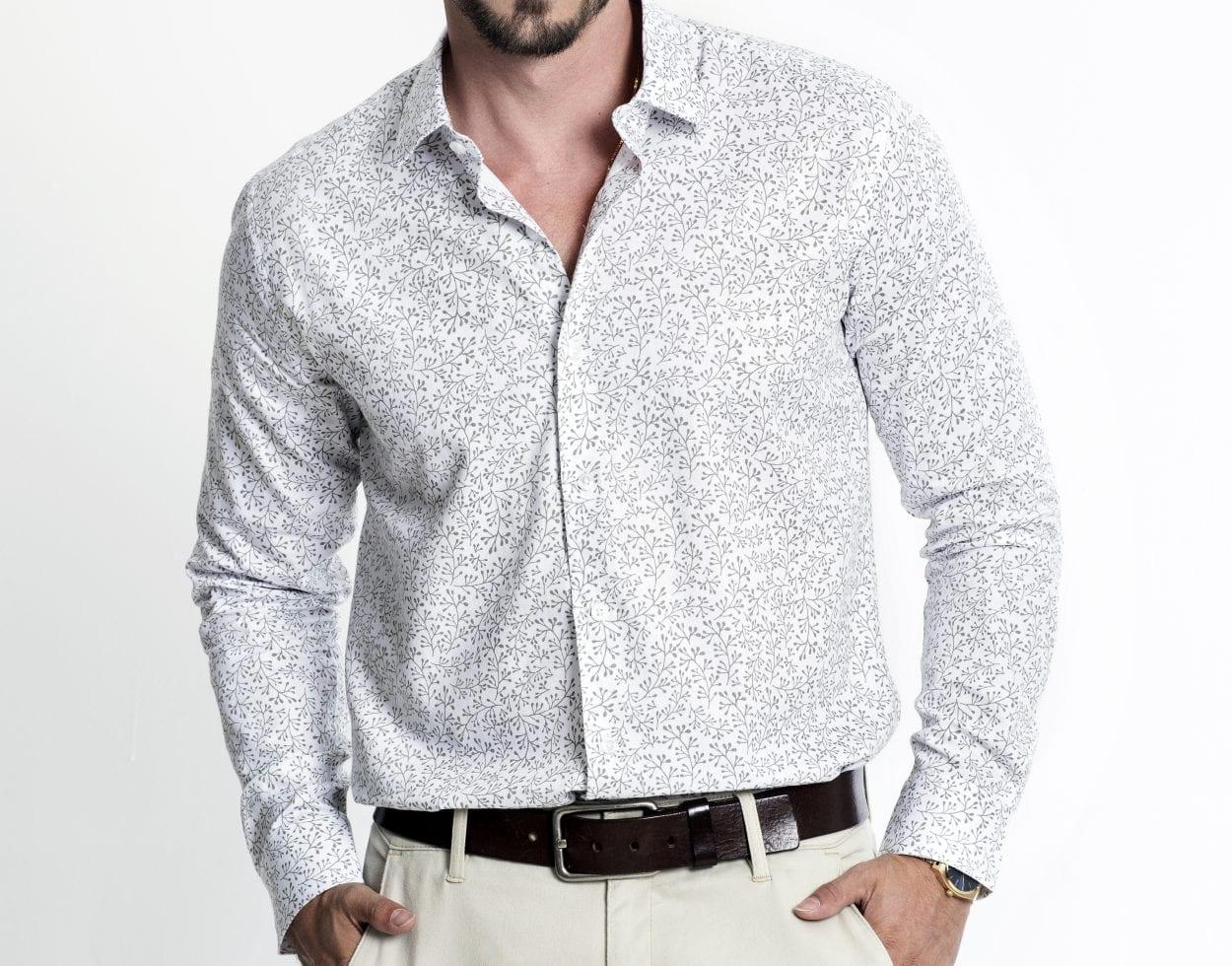 Camisa para dentro ou para fora da calça?